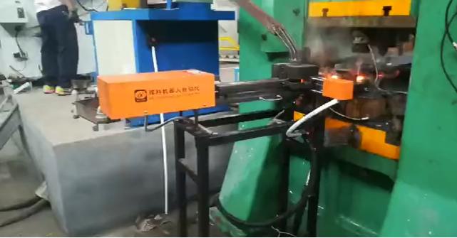 轴承自动锻造机械手