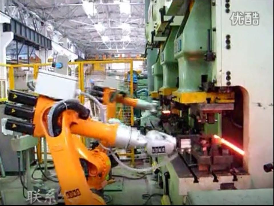 弹条自动锻压机器人